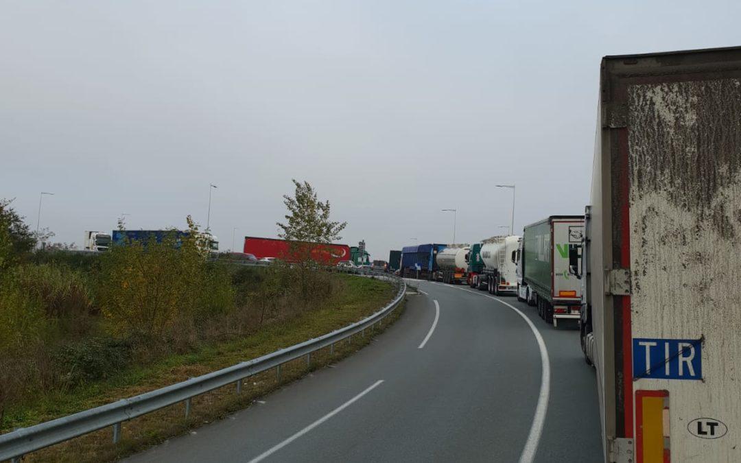 La CETM reclama la intervención de fomento para que se normalice la circulación de camiones en Francia.