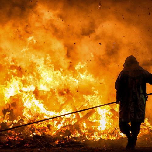 Cortada la ap-7 en Málaga debido a un incendio en Sierra Bermeja en Jubrique